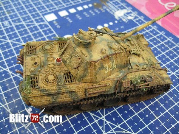1/72 Panther with scratchbuilt bucket