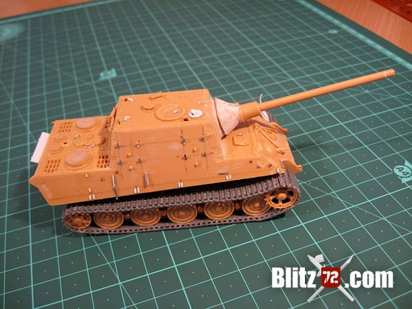 Side detail on Jagdtiger 331 - Italeri 1/72