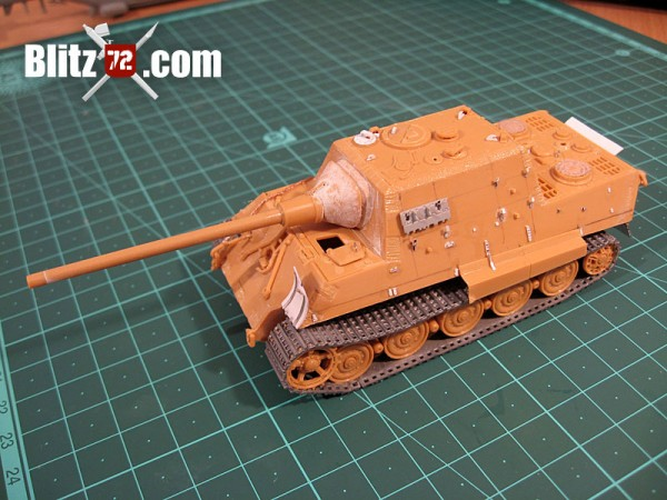 Jagdtiger hull side details with dragon spare link track