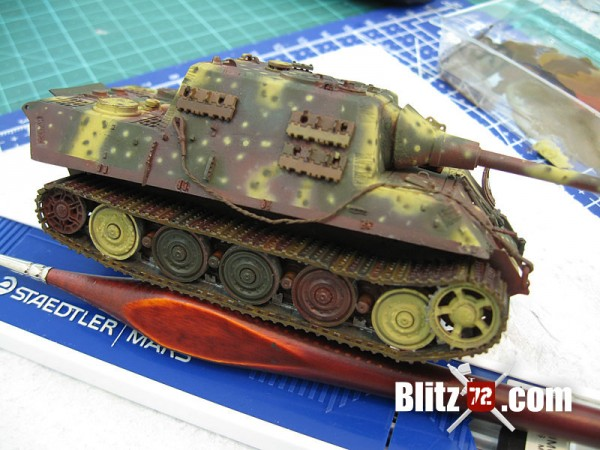 Jagdtiger track painting and detail