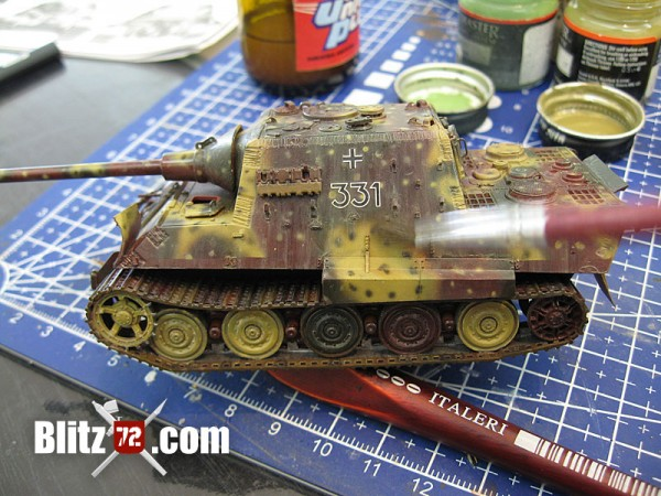 Weathering filter streaks on 1/72 Jagdtiger