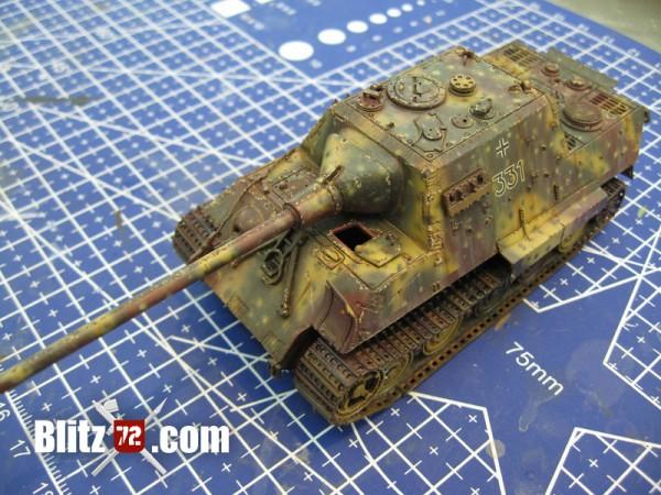 Paint Chips on 1/72 Jagdtiger Scale Model