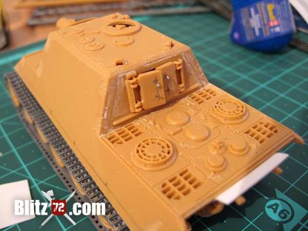 Fighting compartment hatches on Italeri Jagdtiger 331