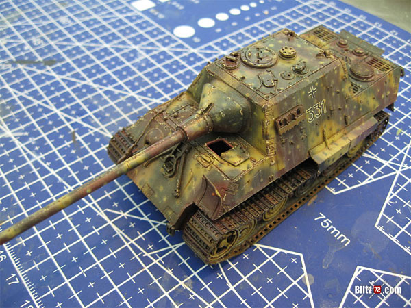 Weathered and detailed 1/72 Jagdtiger scale model