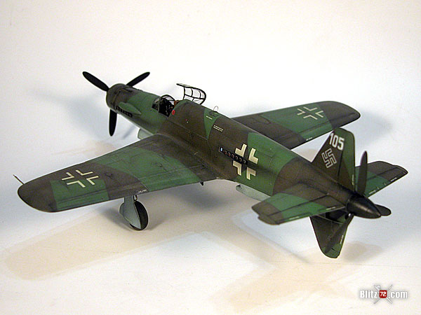 Dragon 1/72 Dornier Do 335 scale model
