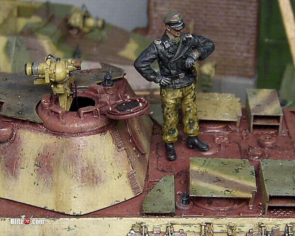 1/72 Night Fighting Panther Ausf. F Tank Diorama