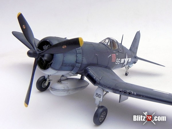 Tamiya 1/72 F4U-1A Corsair - VMF-214 Black Sheep