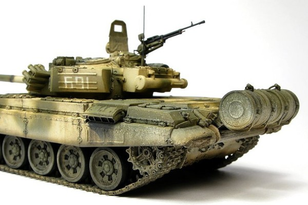 Alex Clark's incredible 1/72 Revell T-72M1 converted to T-72B (model 1984)
