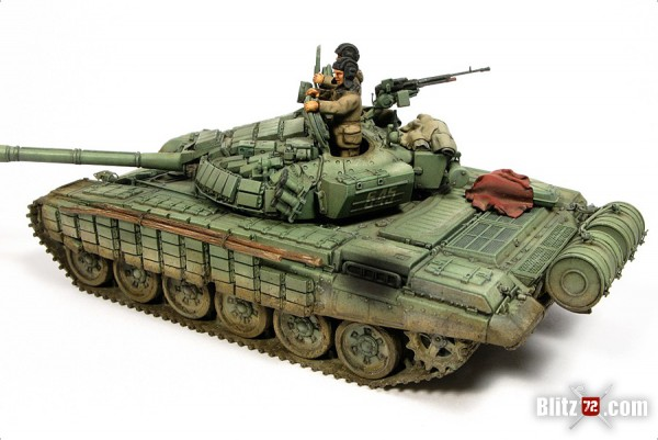 Alex Clark's incredible 1/72 Revell T-72M1 converted to T-72B with ERA