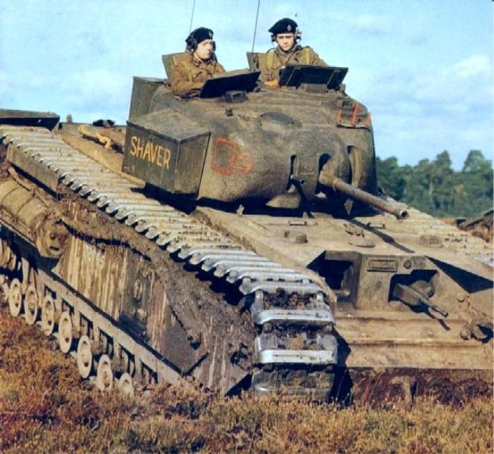 Quick and dirty Churchill MkII Tank 1/72 model   Blitz72 com