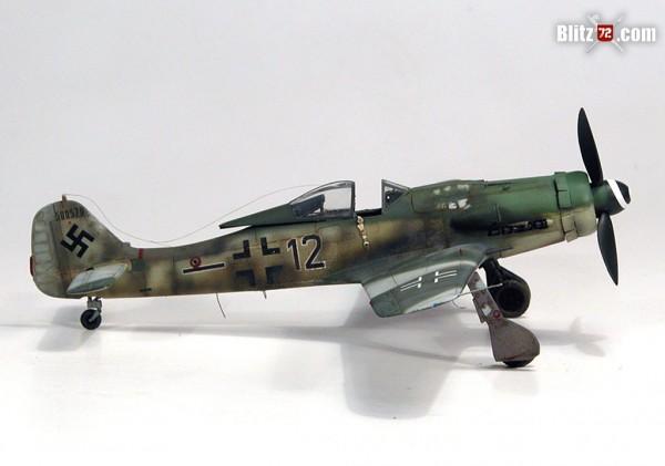 Academy 1/72 FW-190 D9, Blue 12, heavily weathered Dora
